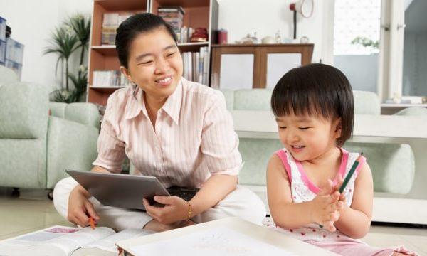 Tips Memilih Jasa Babysitter Terpercaya