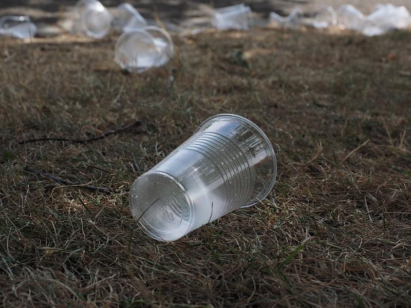 Bagaimana Plastik & Gelas Plastik Dibuat?